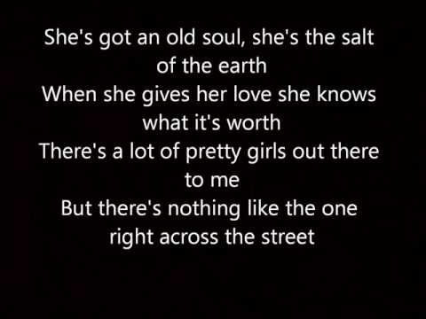 Hometown Girl Josh Turner lyrics