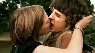 S'embrasser pour la première fois - LES BEAUX GOSSES -