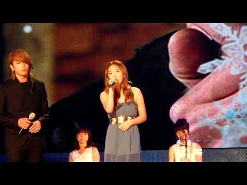090911 TaeYeon fancam feat Park Hyo Shin  Can You Hear Me, Snow Flower @ Seoul Drama Awards