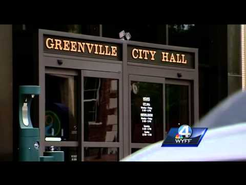 City divided on nonpartisan election ordinance