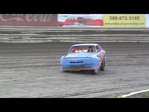 V8 Thunder Stocks - Volusia Speedway Park 4-30-16