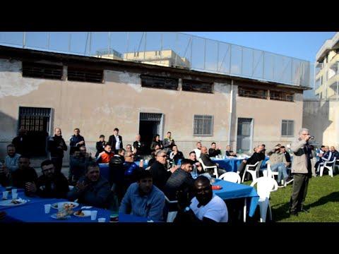 Aversa, in carcere come in pizzeria: tavoli all'aperto per 180 detenuti