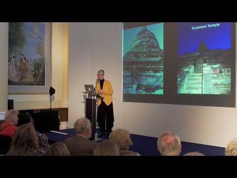 Seeing the World as a Single traveller with Jan Leeming