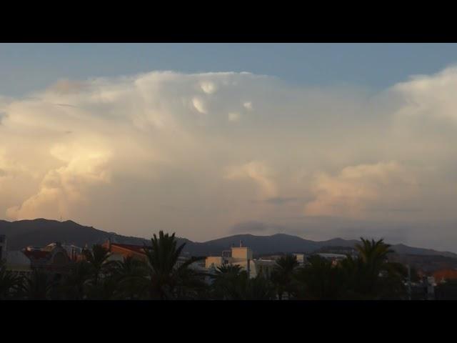 Cumulonimbus en diferents etapes d'evolució - Badalona - Setembre 2021