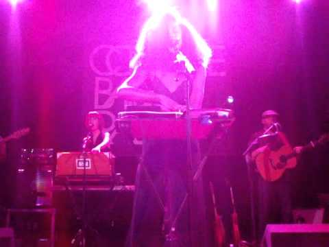 Corinne Bailey Rae- The Sea Live