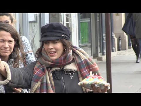 EXCLUSIVE : Nolwenn Leroy coming out of the RTL radio station in Paris