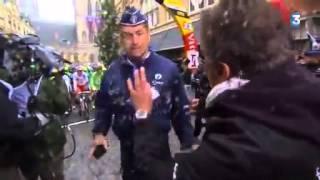 Gerard Holtz vs Policier Belge - Tour de France 2014 - Stage 5 - francetvsport