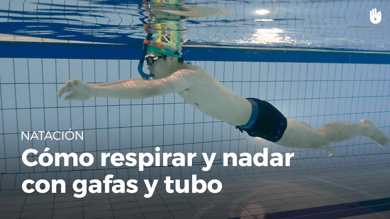 C mo respirar y nadar con gafas y tubo de buceo miedo al for Planos de piletas de natacion
