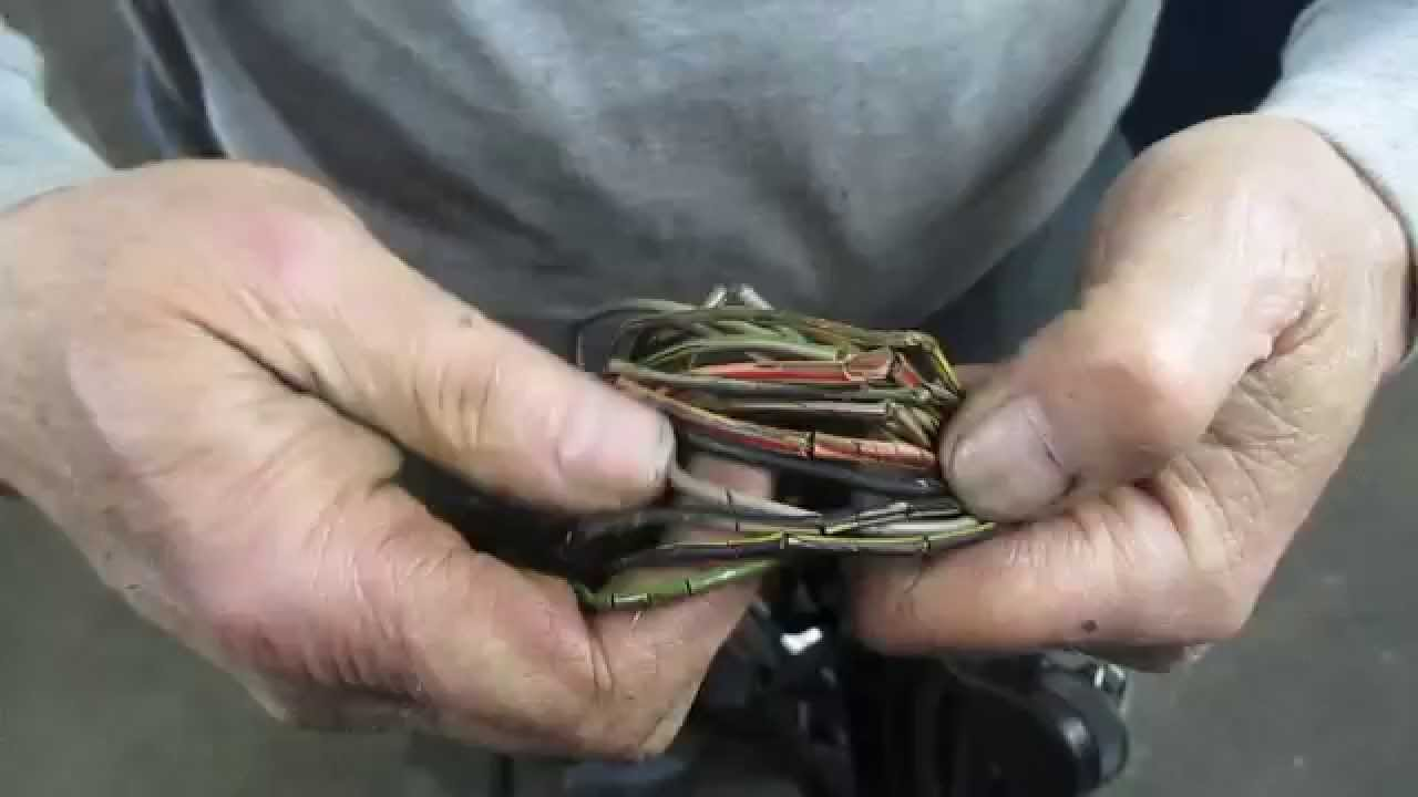 mercedes wiring harness youtube 1992 chevy truck wiring harness diagram simplified mercedes wiring harness [ 1280 x 720 Pixel ]