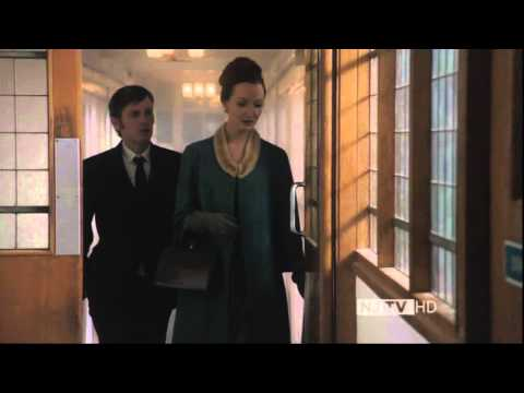 Olivia Grant wearing Leather Gloves