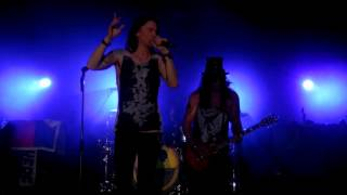 Slash - Too Far Gone (Live Premiere)