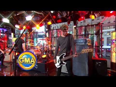 5 Seconds of Summer (5SOS) Intro + Interview GMA 30/9/14