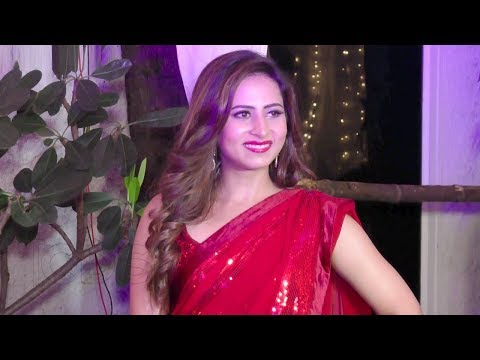 Sargun Mehta Hot In Red Saree At Rubina Dilaik And Abhinav Shukla Wedding Reception