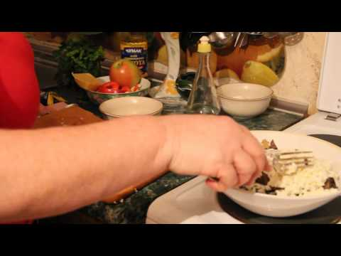 Мясной салат с грибами маринованными
