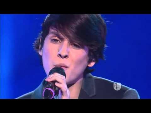 Christopher Vélez canta - víveme de Laura pausini