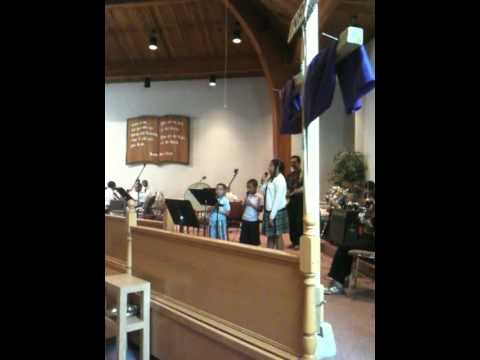 children singing fathers day.MOV