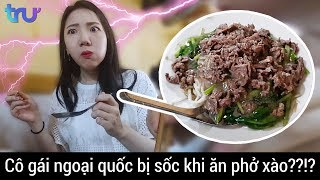 (Eng sub) What's the MUST TRY food🍗🍝 in Vietnam!??!!?