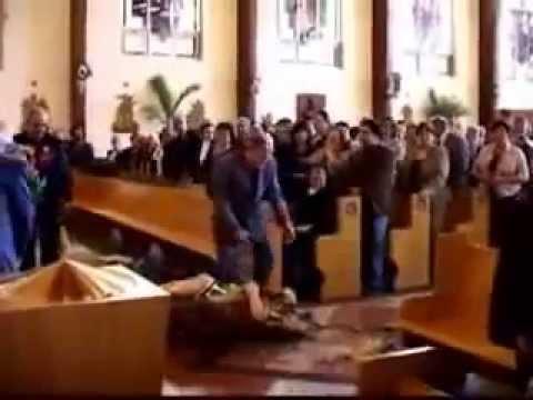 Phép Lạ / Mẹ Maria đồng trinh bị mất trinh trắng ngay trong nhà thờ