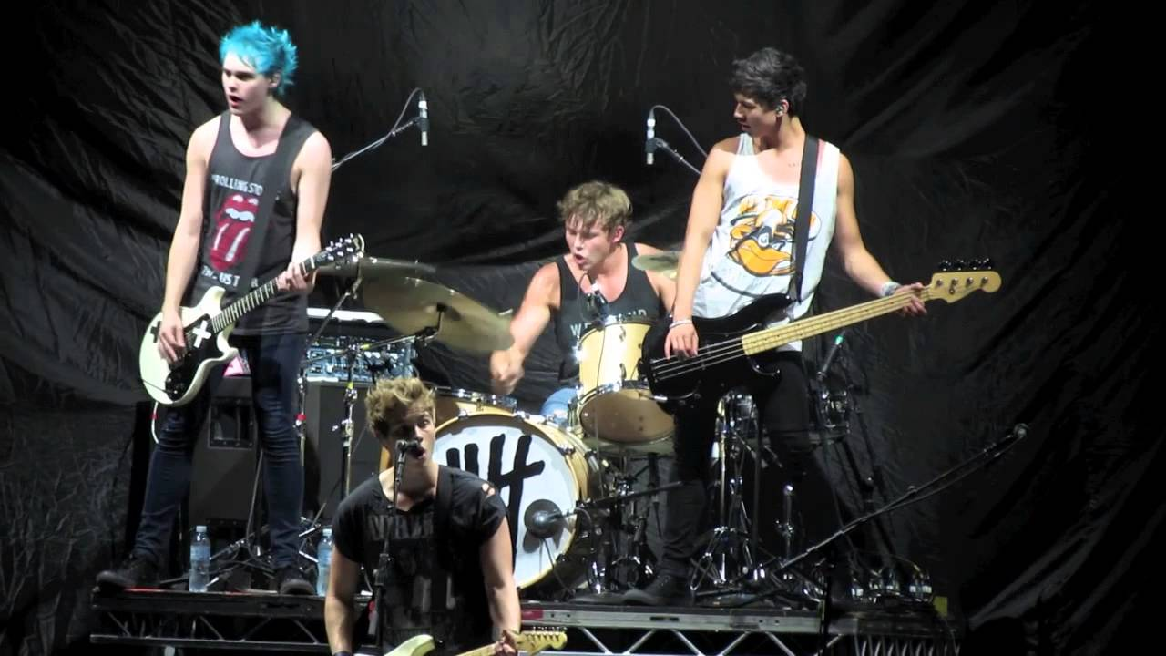 5 Seconds Of Summer Singing Try Hard Perth