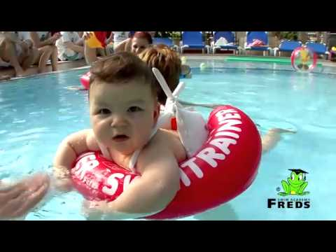 "Video: Freds Swim Academy® Schwimmring ""Baby Swimtrainer Classic"""