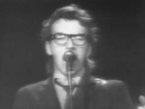 Elvis Costello & the Attractions Lip Service