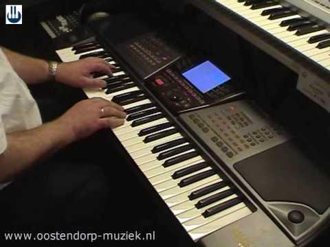 General Music WK 8 keyboard bij Muziekcentrum Oostendorp Wezep