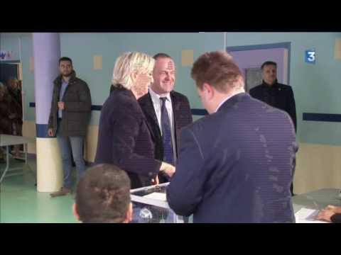 Marine Le Pen a voté dans une école d'Hénin-Beaumont
