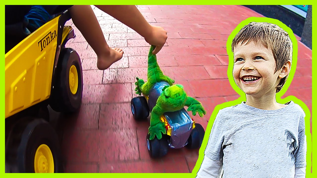 Monster Trucks And Dump Truck Ridin In Downtown Fort Worth Youtube