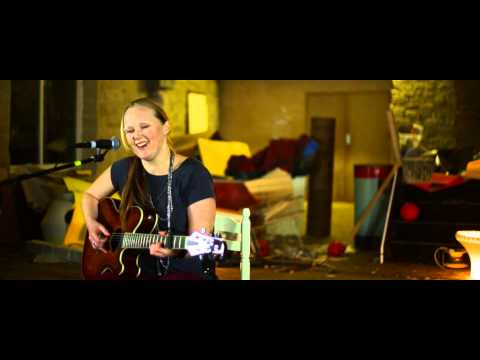 Gemma Fox - Acoustic Session with Rotted Grape