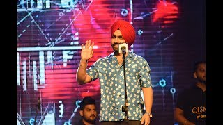 ZINDABAAD YAARIAN Ammy Virk  live performance at chandigarh university  2018