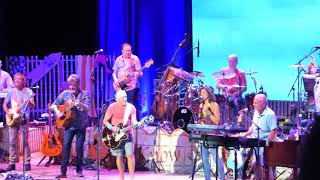 Jimmy Buffett The Coral Reefer Band W Sarah Mclauchlan Learning To Fly Tom Petty