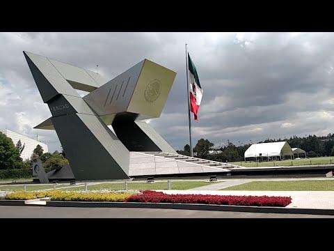 Helicópteros militares en el Campo Marte - México DF