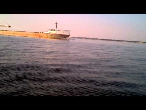Huge Freighter Ship on Lake Michigan Comes Very Close!!!