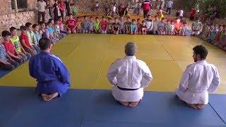 Будущие чемпионы: сирийские дети-сироты не пропускают уроки боевых искусств