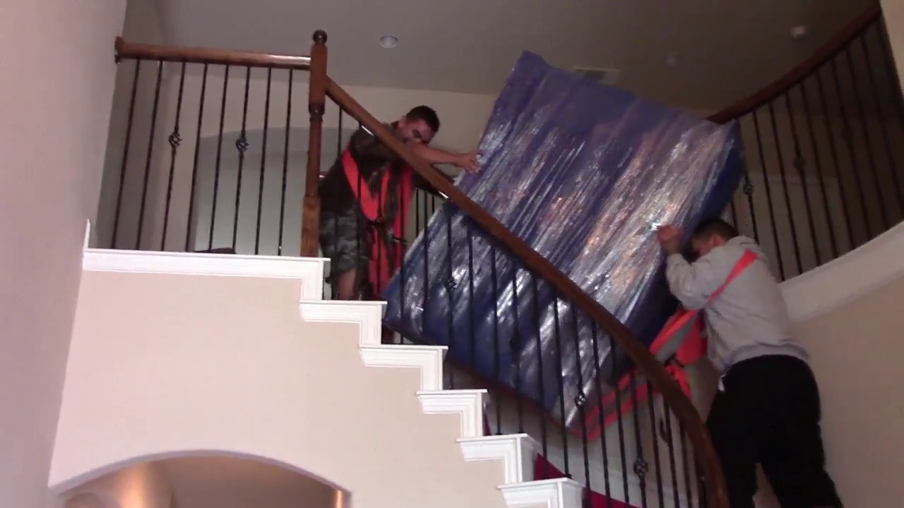 Como mover muebles pesados por las escaleras youtube - Como subir muebles por escalera caracol ...