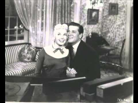 gordon-macrae-doris-day-on-moonlight-bay-by-the-light-of-the-silvery-moon