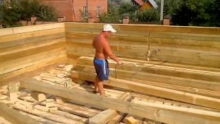 Обработка дома из бруса антисептиком(Бригада плотников из Костромской области строит дом из бруса и обрабатывает брус антисептиком, чтобы дом..., 2013-08-05T13:48:38.000Z)