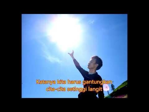 Motivasi Lucu: Menggantungkan cita cita setinggi langit
