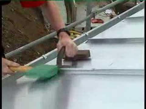 video blechdach aus kupfer falztechnik kupferblechdach mit seitenbackenverkleidung copperroof. Black Bedroom Furniture Sets. Home Design Ideas