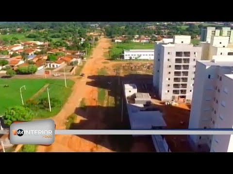 Avenida Dois de Dezembro, em Araçatuba, sofre com falta de investimento