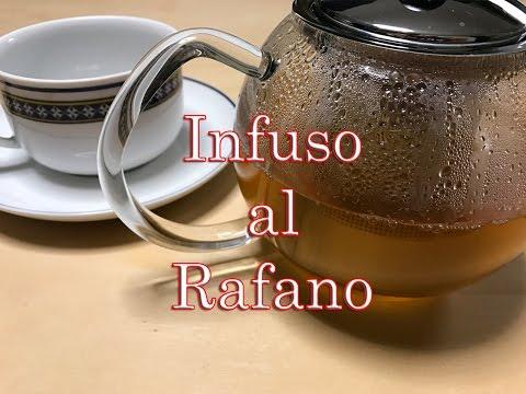 servi tè alla cannella e alloro per perdere peso
