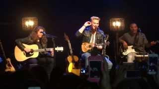 Cody Simpson - La Da Dee (live) [Acoustic]