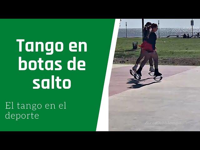 Ellas eligieron un tango para ensayar su baile  en botas de salto