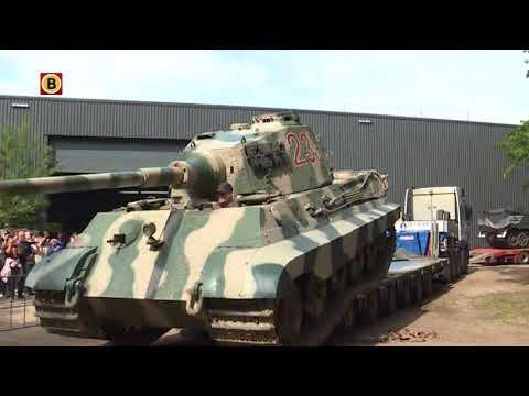 Duitse Königstiger arriveert in Oorlogsmuseum Overloon