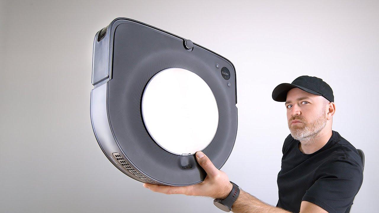 This Robot Vacuum Empties Itself...
