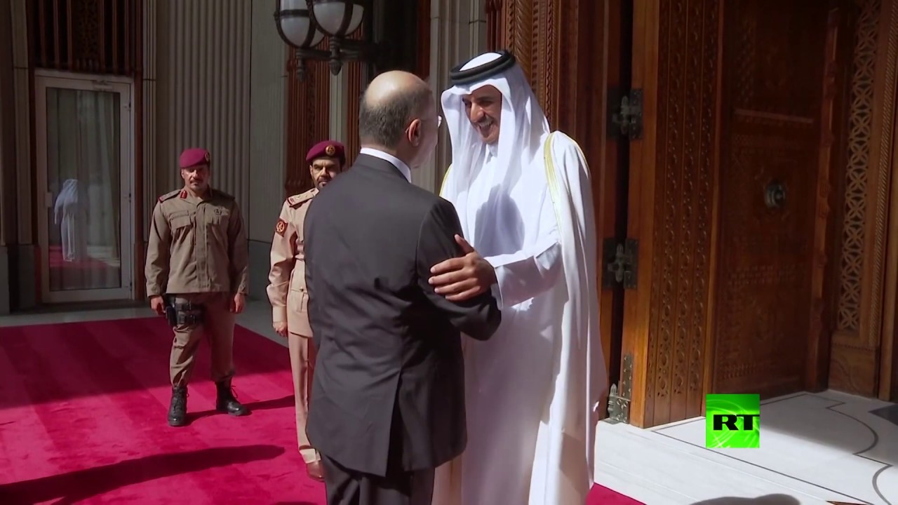 شاهد.. لحظة استقبال أمير قطر للرئيس العراقي في الدوحة