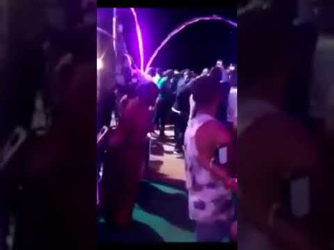 Fally Ipupa Slapped During Concert in Cameroon
