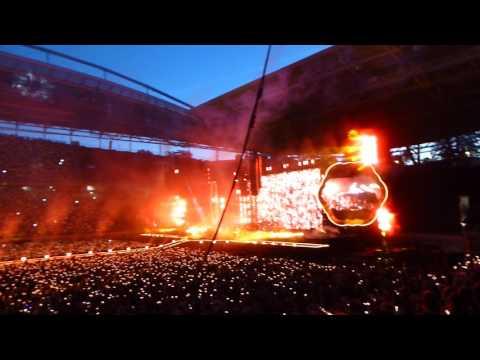 Coldplay - Fix You + Viva La Vida Live in Leipzig 14.06.2017