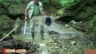 Akarsuda Altın arama  -( Finding gold in the river )