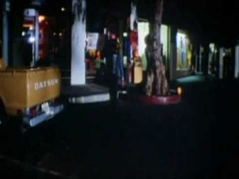 Michael Myers walking down the street in Halloween II (1981)